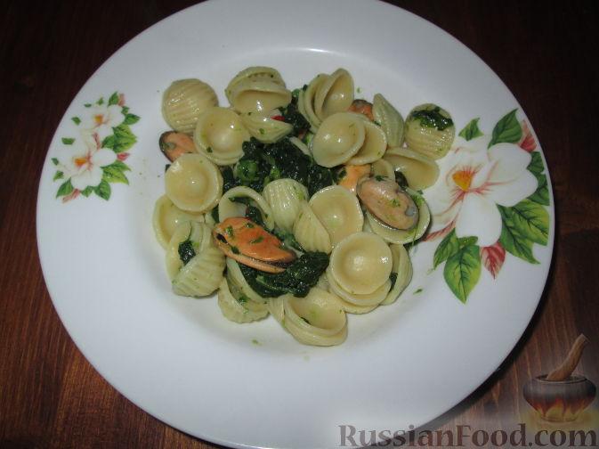 Рецепт Паста орекьетте с листьями репы и мидиями