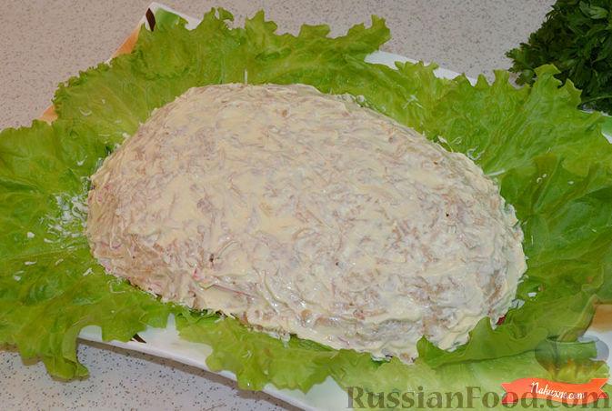 Фото приготовления рецепта: Салат с крабовыми палочками - шаг №7