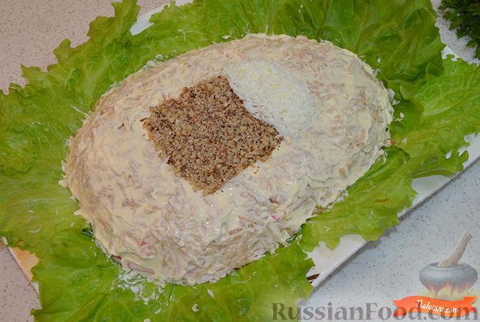 Фото приготовления рецепта: Салат с крабовыми палочками - шаг №8
