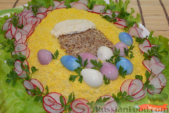 Фото приготовления рецепта: Салат с крабовыми палочками - шаг №11