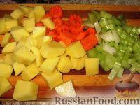 Фото приготовления рецепта: Суп из чечевицы с копченостями - шаг №2