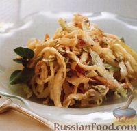 Фото к рецепту: Капустный салат с яблоками и сыром