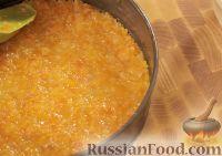 Фото приготовления рецепта: Творожная запеканка с курагой - шаг №8