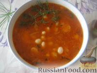 Фото к рецепту: Красный борщ с галушками и фасолью