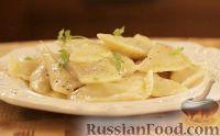 Фото к рецепту: Вареники с квашеной капустой
