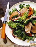 Фото к рецепту: Салат с жареным свиным филе и нектарином