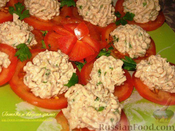 Рецепт Закуска из фасолевого паштета на помидорах