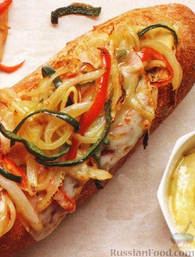 Рецепт Горячий багет с овощами и сыром
