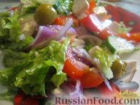 Фото к рецепту: Греческий салат с оливковым маслом