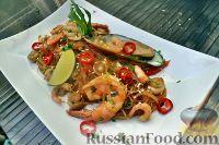 Фото к рецепту: Стеклянная лапша с морепродуктами (Эби кадзукири)
