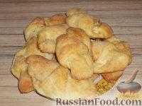 Фото к рецепту: Рогалики с яблоками из творожного теста