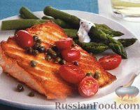 Фото к рецепту: Жареный лосось со спаржей