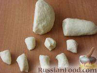"""Фото приготовления рецепта: Печенье на пиве """"Сахарное"""" - шаг №4"""