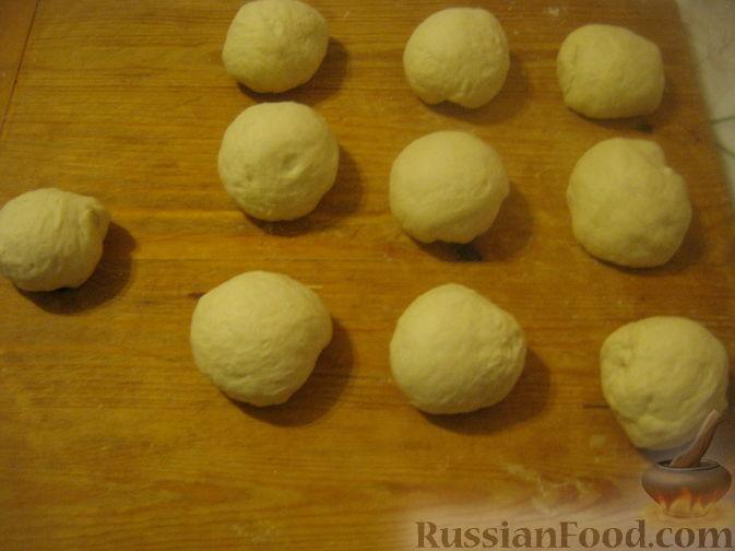"""Фото приготовления рецепта: Отрывной пирог """"Яблочные рожки"""" - шаг №2"""