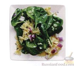 Рецепт Салат из шпината, пасты и лука