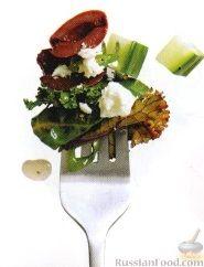 Рецепт Салат из листьев свеклы и капусты кале