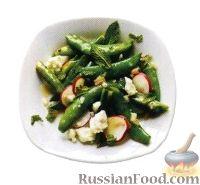Фото к рецепту: Салат из стручкового горошка с редисом