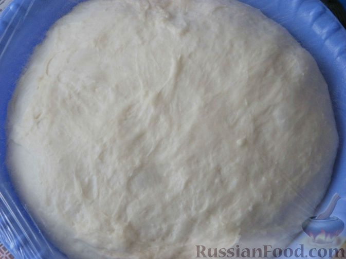 Фото приготовления рецепта: Вареники с квашеной капустой и картошкой - шаг №1
