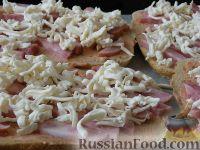 """Фото приготовления рецепта: Быстрая """"пицца"""" на хлебе - шаг №5"""
