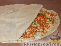 Фото приготовления рецепта: Рулет с корейской морковью - шаг №8
