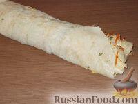 Фото приготовления рецепта: Рулет с корейской морковью - шаг №10
