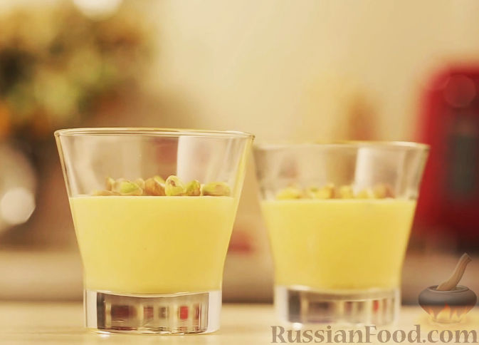 Рецепт Нежный крем из белого шоколада с фисташками
