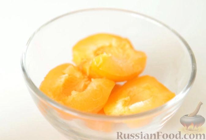 Фото приготовления рецепта: Пастила из абрикосов, клубники и черники - шаг №5