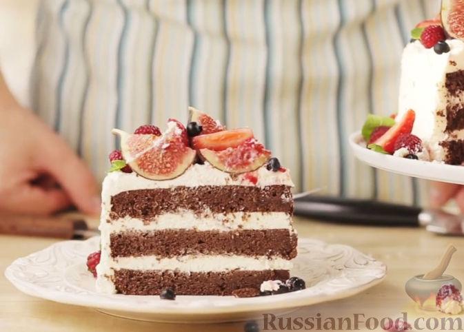 Рецепт Шоколадный торт с кремом маскарпоне и свежими ягодами