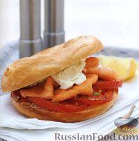 Фото к рецепту: Горячие бургеры с помидорами и лососем