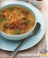 Фото к рецепту: Суп с мясом и рисовой лапшой