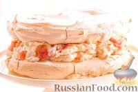 Фото к рецепту: Торт-безе с ревенем и имбирем