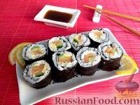 Фото к рецепту: Роллы с семгой, сыром и огурцом