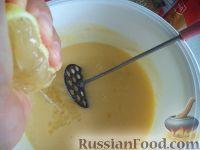 Фото приготовления рецепта: Творожный кекс - шаг №7