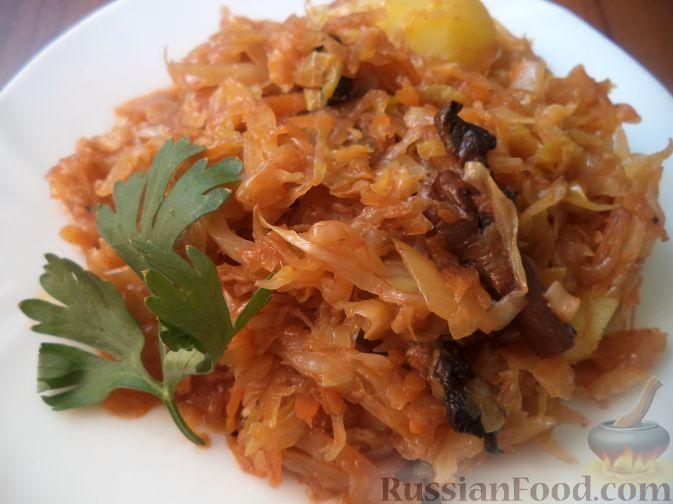 Рецепт Тушеная молодая капуста с грибами и картофелем