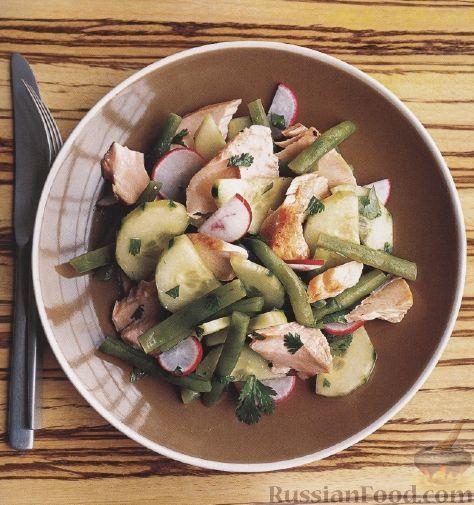 Рецепт Салат из семги, огурца и стручковой фасоли