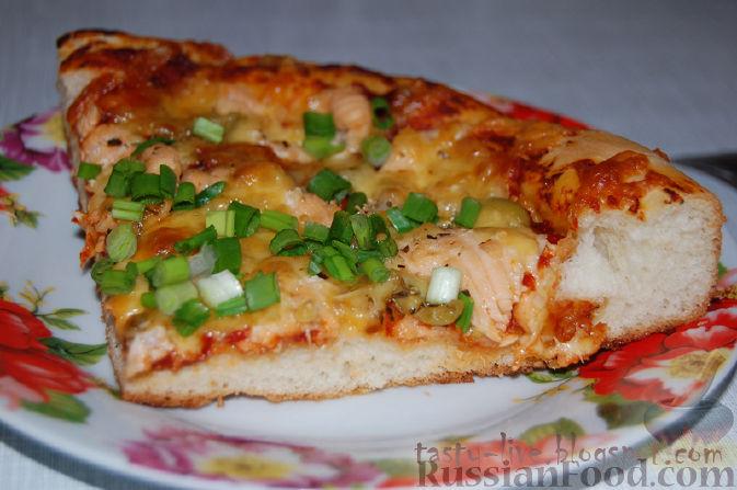 Рецепт Пицца с лососем, оливками и зеленью