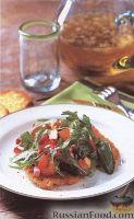 Фото к рецепту: Телячьи отбивные с салатом из рукколы