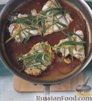 Фото к рецепту: Тушеная треска с имбирем и зеленым луком