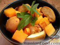 Фото приготовления рецепта: Тыква, запеченная в духовке с яблоками и айвой - шаг №3