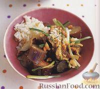 Фото к рецепту: Тушеные баклажаны с грибами и арахисовым соусом