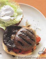 Фото к рецепту: Гамбургер с грибами и перцем