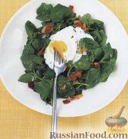 Фото к рецепту: Салат из шпината с яйцами-пашот