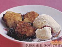 Фото к рецепту: Оладьи в вишневом сиропе