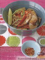 Фото к рецепту: Салат пикантный из лапши и свинины