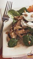 Фото к рецепту: Куриное филе с персиками и вишневой заправкой