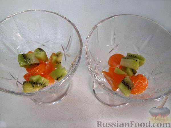 Фото приготовления рецепта: Витаминный фруктовый десерт - шаг №5