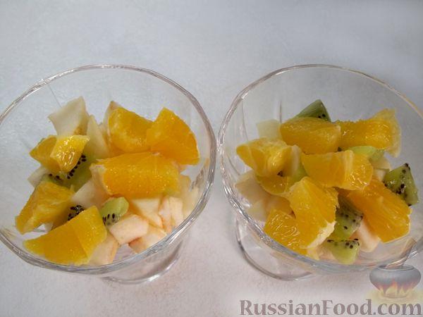 Фото приготовления рецепта: Витаминный фруктовый десерт - шаг №9
