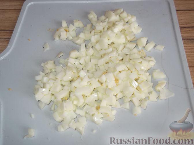 Фото приготовления рецепта: Омлет с яблоками и корицей - шаг №12
