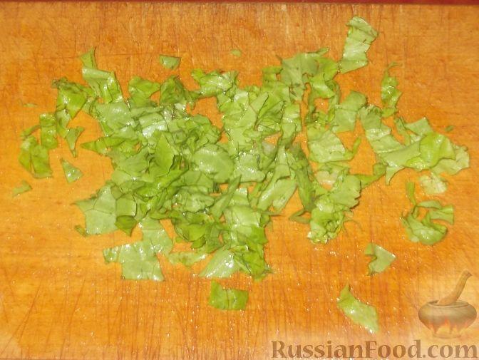 """Фото приготовления рецепта: Салат """"Оливье"""" с красной рыбой - шаг №1"""