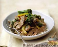 Фото к рецепту: Жареное мясо с брокколи и кунжутом